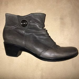 Earth Origins Mallory Grey Booties